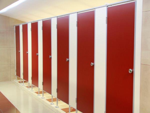фото №21 - серия СТАНДАРТ, кабины для туалета ТИП 1 (от стены до стены) ЛДСП 16 мм, фасад 2-х цветов, фурнитура NEMO, размеры кабины: 2 х 1,2 х 0,9 м